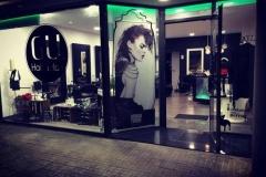 Fachada vinilo Gu Hair Salon Barcelona