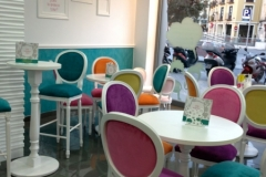 DECORACION-MESAS-Y-SILLAS-YOGURTERIA